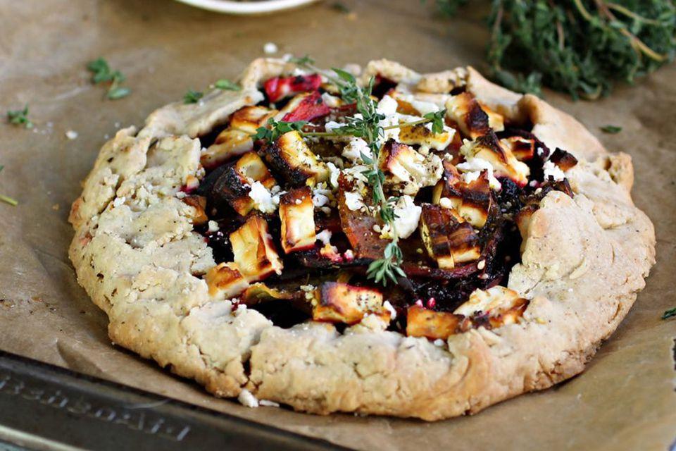 Vegetarian Thanksgiving Recipes Main Dish  23 Ve arian and Vegan Thanksgiving Main Dish Recipes