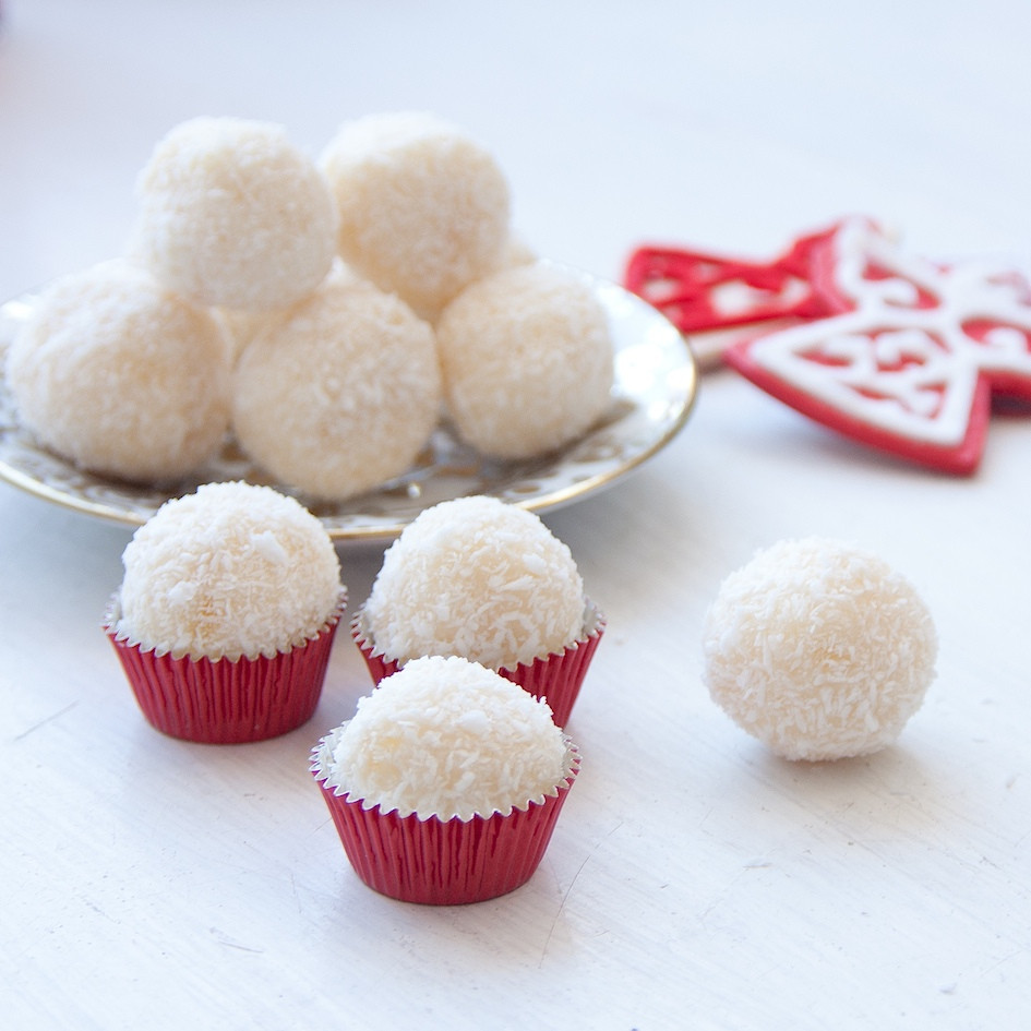 White Christmas Candy  The Hedonista Recipes White Chocolate Truffles